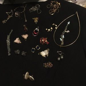 Jewelry - Scrap gold tone and vintage jewelry
